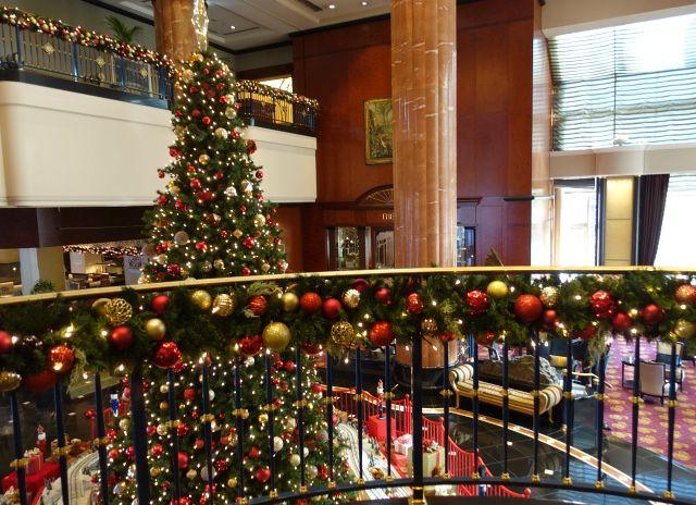 ロビーのクリスマスデコレーション(ウェスティンホテル東京)