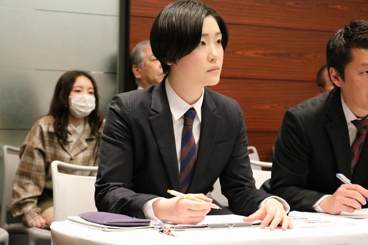 【審査員】鈴木千佳さん(2015年度卒)