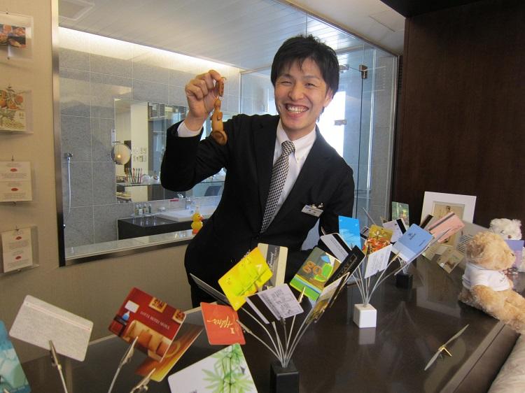 ホテル(宿泊)部門の授業を担当する中山 万作先生