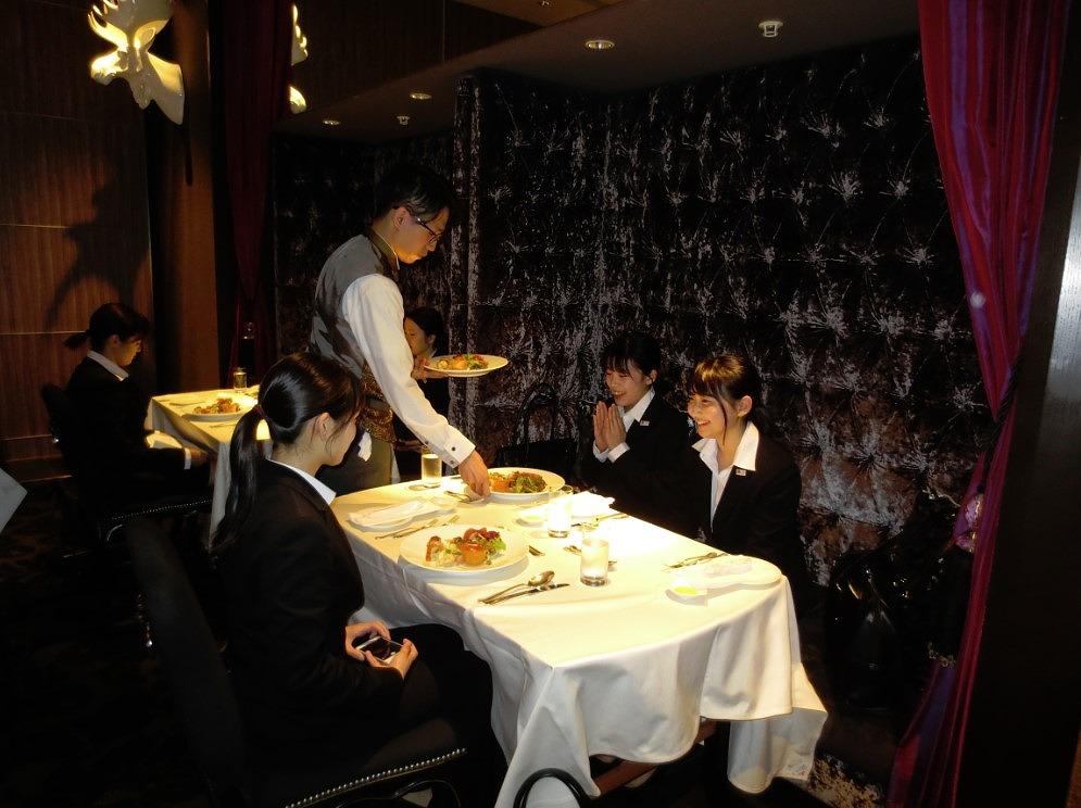 インターコンチネンタルホテル東京ベイでホテルランチを体験しました!