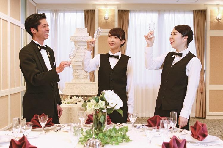 料飲サービスの授業を担当する上野 真志先生