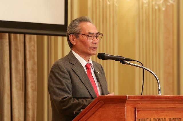 挨拶・石塚勉校長 ブライダル科設立20年を迎え、関係者の皆様に御礼を伝える