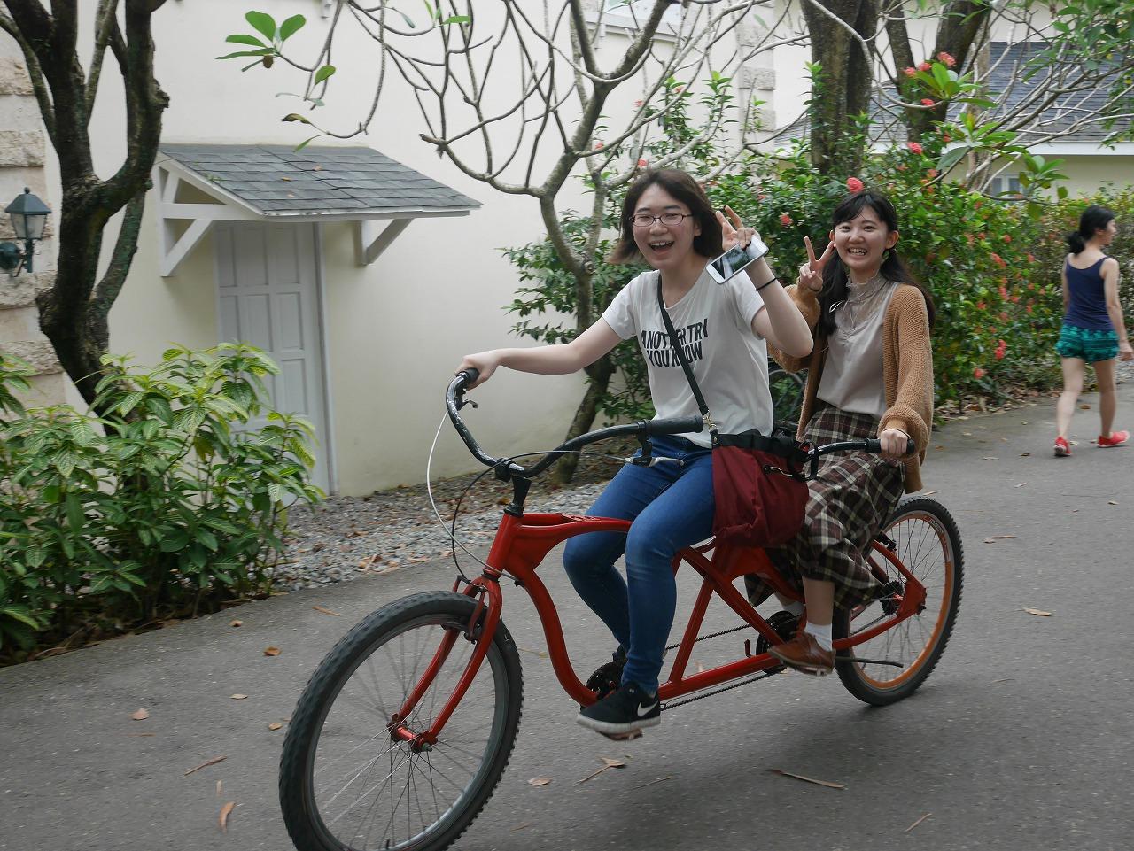 自転車でホテル内を一周