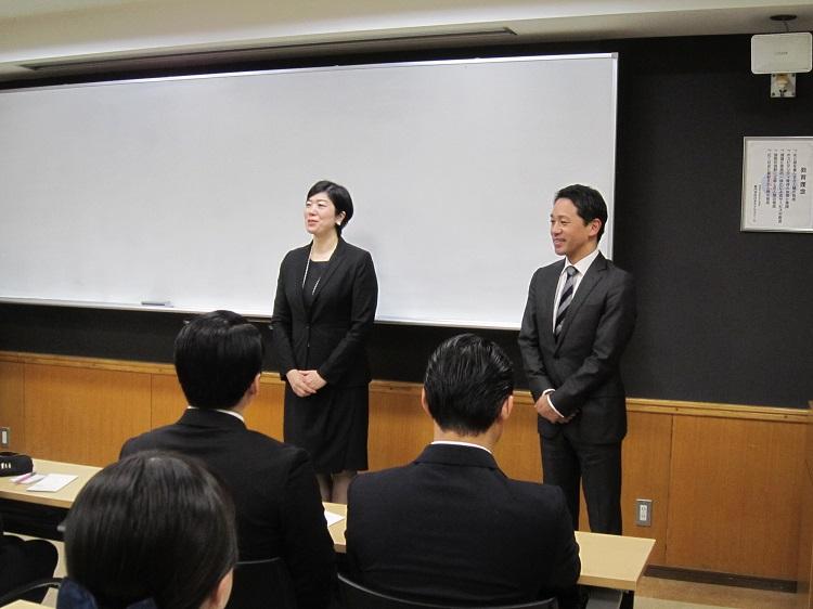 学内会社説明会に参加いただきました人材開発部長 國府様(右)、宿泊部長 辻村様(左)