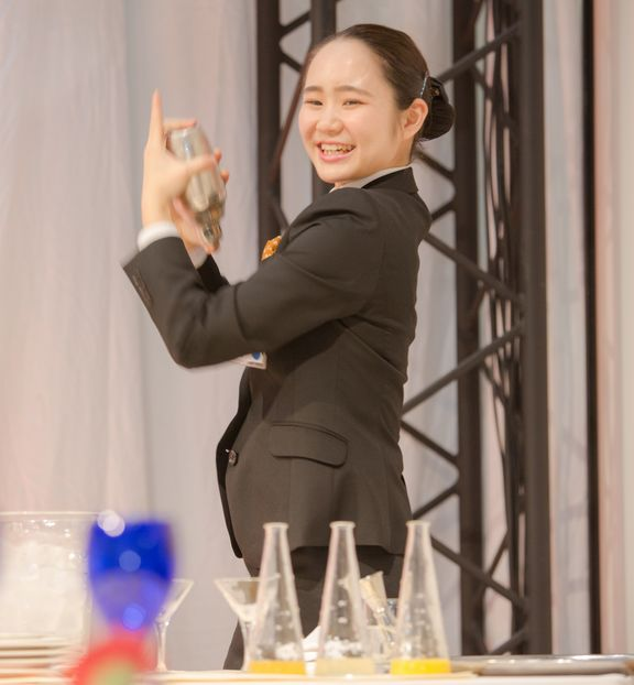 """二関桃さん 決勝課題 ノンアルコールカクテル""""シンデレラ""""作成"""