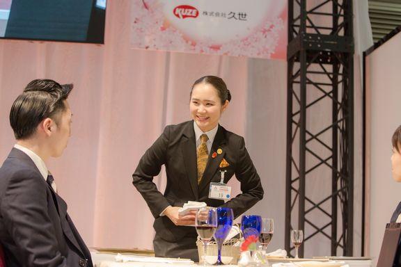二関桃さん 準決勝課題 口頭質問に回答中