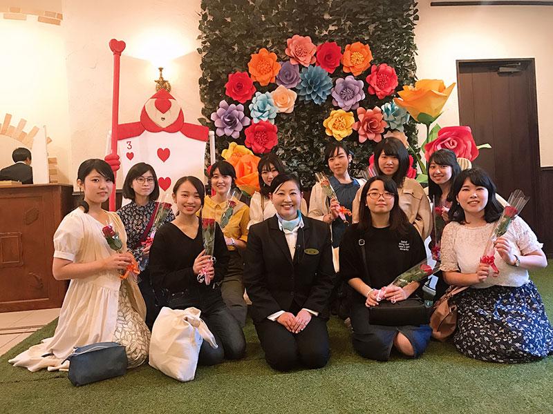 今回お世話になった卒業生の石塚泰葉さんと一緒に。本当にありがとうございました。