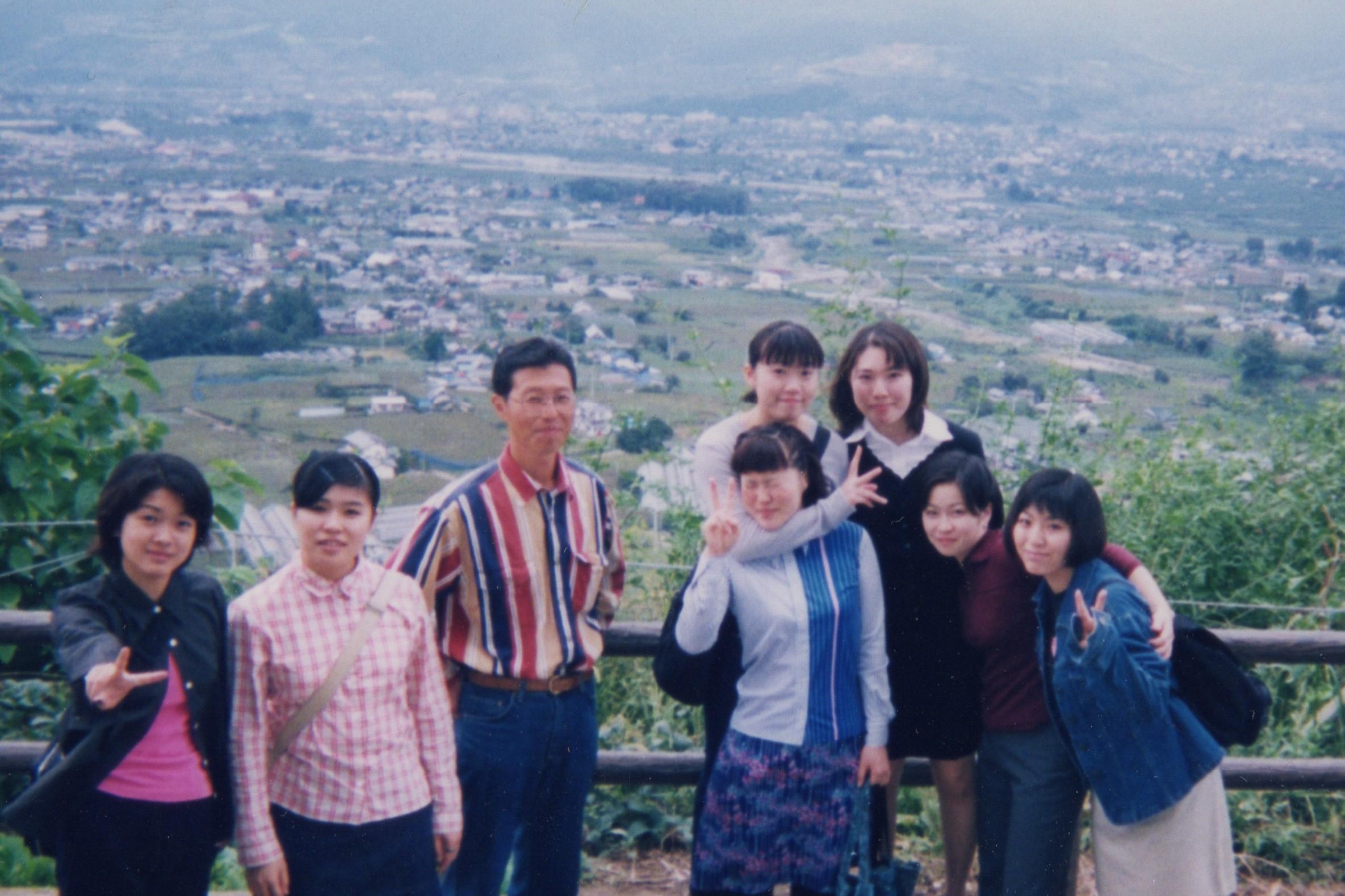 在学時、担任の川上先生たちと、ワイナリー見学。川上先生はソムリエなので色々と教わりました