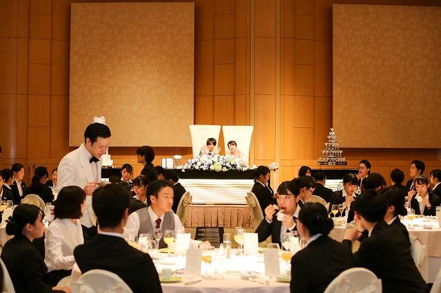 ホテルの宴会場で模擬披露宴を開催!