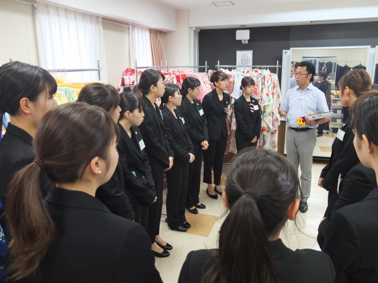 夜間部ブライダル科「卒業式袴展示会」プロジェクト ~その10~ プロジェクト最終日!