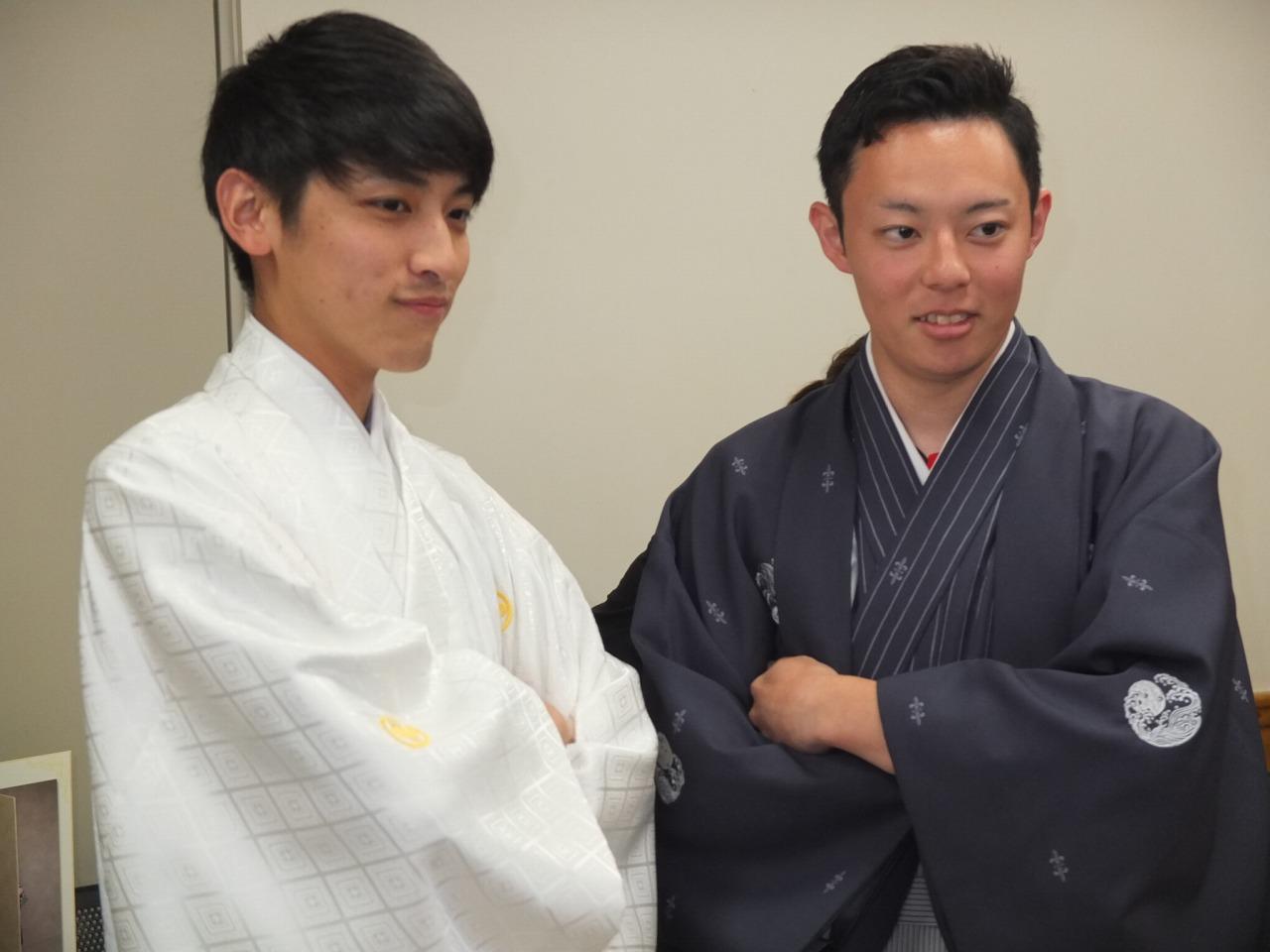 袴姿の男性も素敵ですね♪