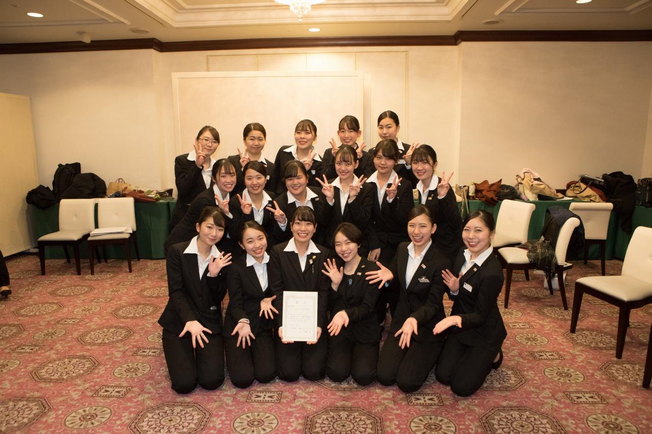 総合賞に輝いた2A-2「浅草旅館」の皆さん