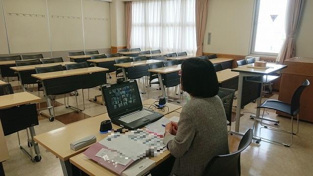 「新入生と授業で早く会うことができて嬉しい」と池本先生