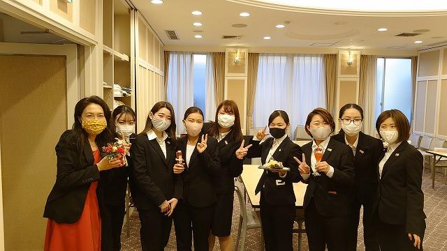 終了後に担任の江口先生と記念撮影 L-3グループ