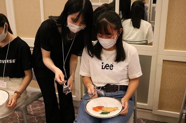 学校での体験授業-レストランサービス