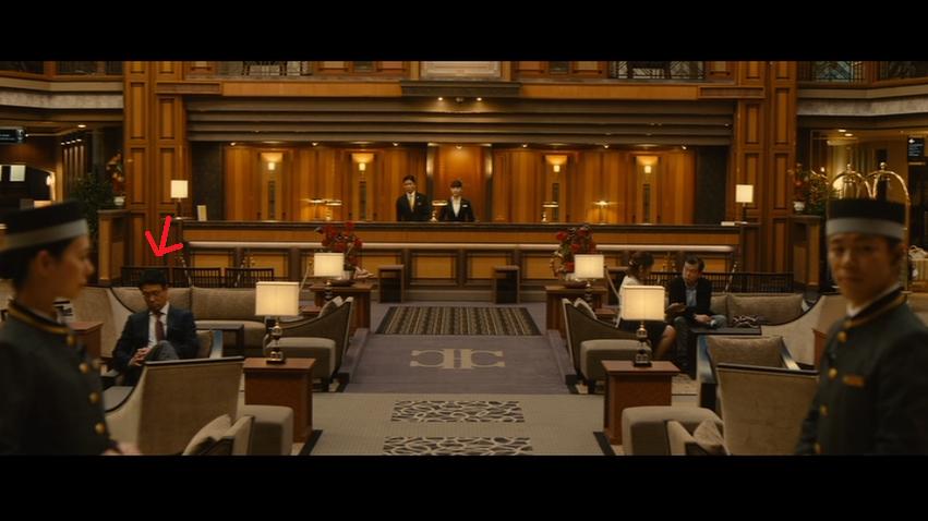 オマケ:前作「マスカレード・ホテル」にエキストラ出演した浅山先生(ホテルを使い慣れたビジネスマン客役)