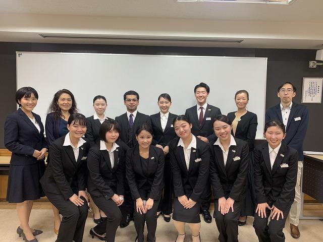予選1日目 日本語部門参加者&審査員の先生たち